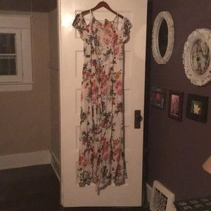 NWT flower print wrap dress size L